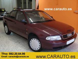 Audi A4  1.8 - 125 CV ( con Libro Mantenimiento )